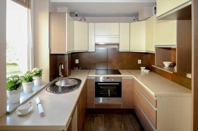 Custom Kitchen Cabinets vs. Stock Cabinets