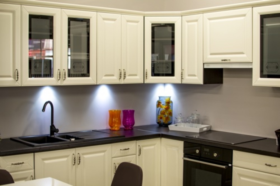 Trending Designs for Colorado Springs Kitchen Cabinets